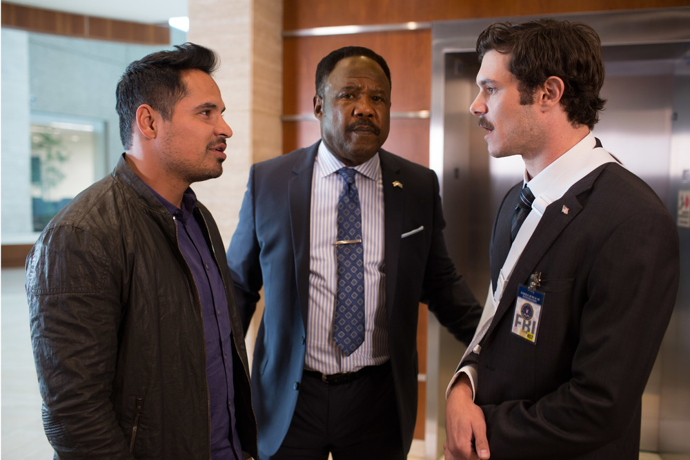 CHiPs: Michael Peña, Adam Brody e Isiah Whitlock Jr. in un momento del film