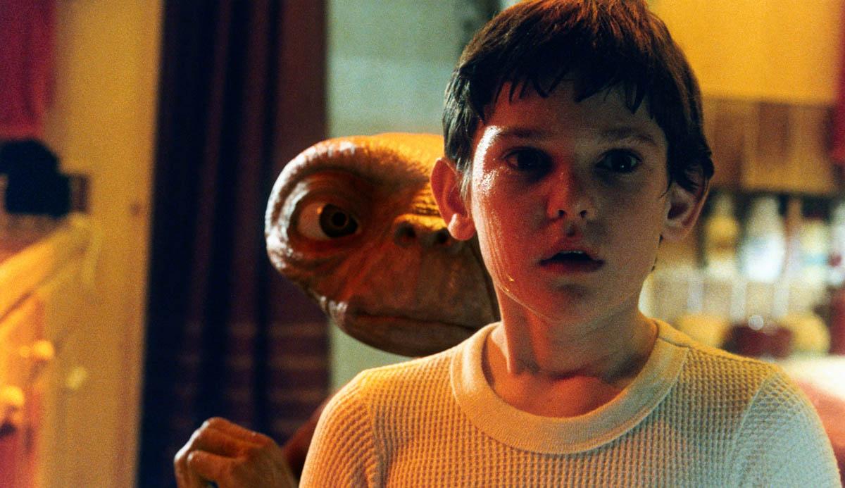 E.T. L'extraterrestre: Henry Thomas in una scena