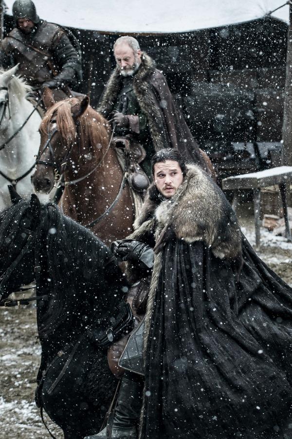 Il Trono di Spade: Kit Harington e Liam Cunningham in una foto della settima stagione