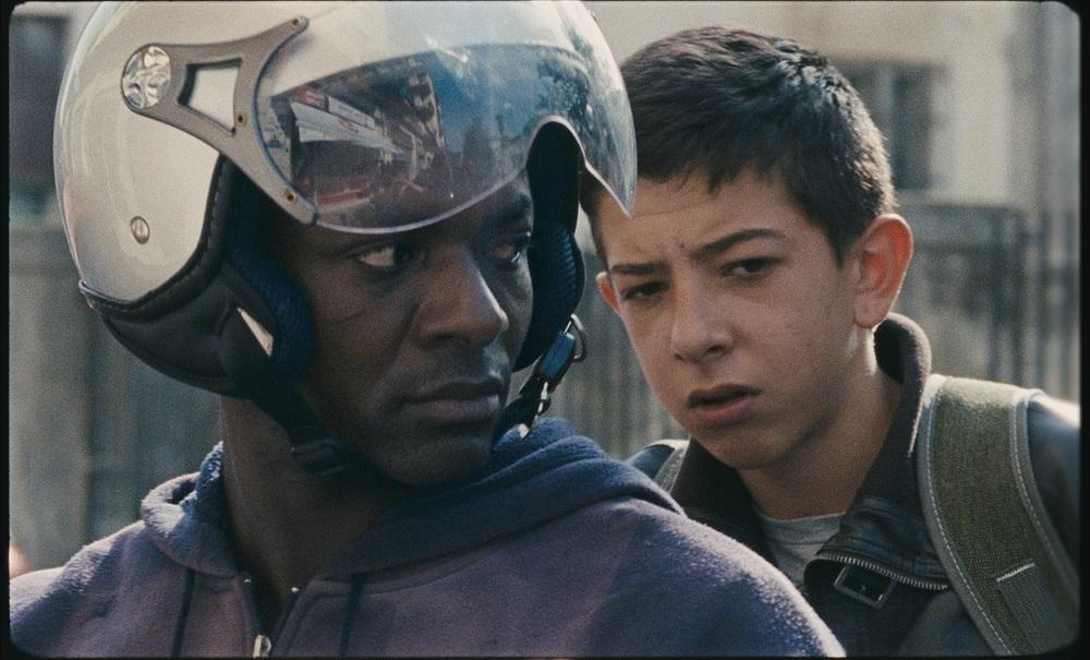 A Ciambra: Koudous Seihon e Pio Amato in una scena del film