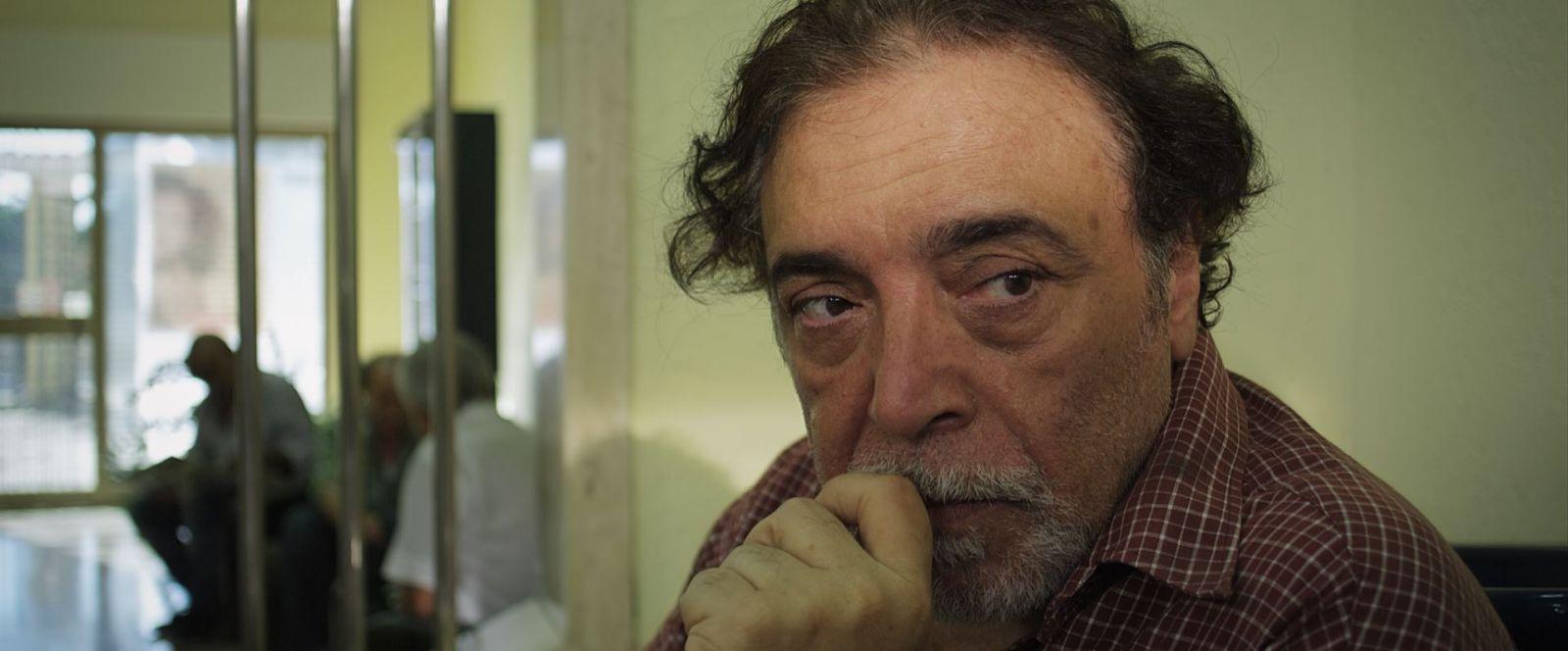 Ninna nanna: un primo piano di Nino Frassica