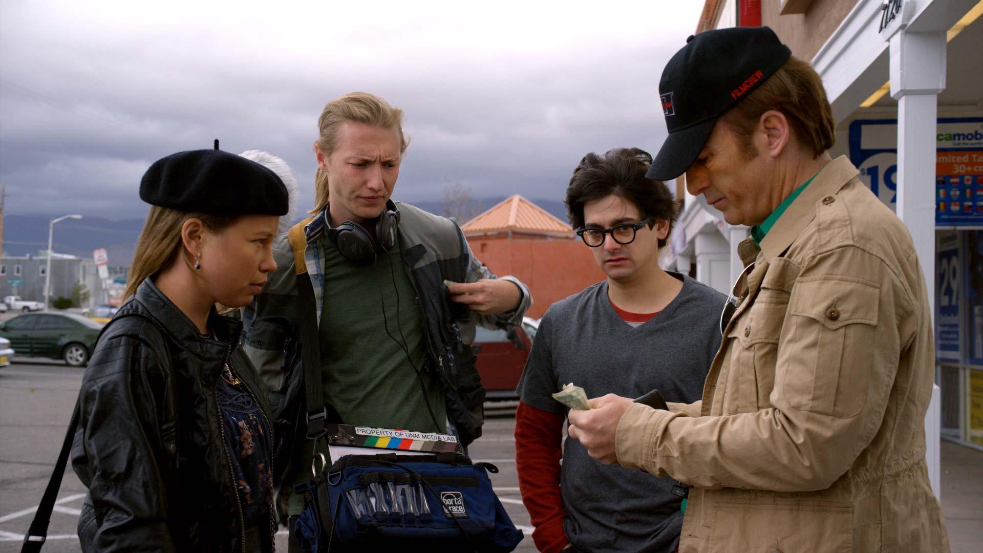 Better Call Saul 3: Bob Odenkirk con la sua troupe nella terza stagione