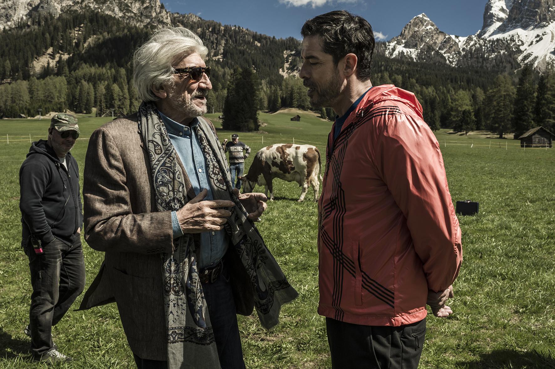 Il Premio: Gigi Proietti e il regista Alessandro Gassmann sul set