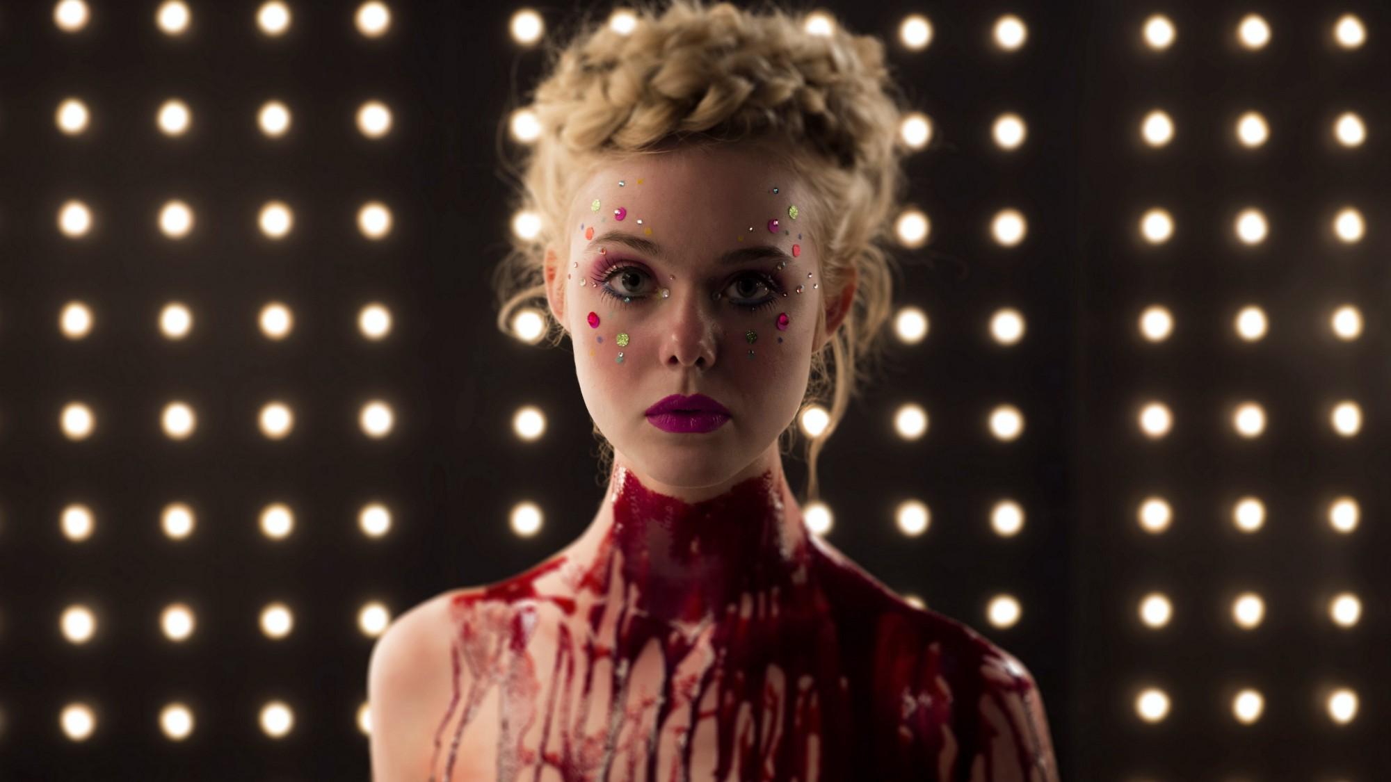 The Neon Demon: Elle Fanning in versione insanguinata