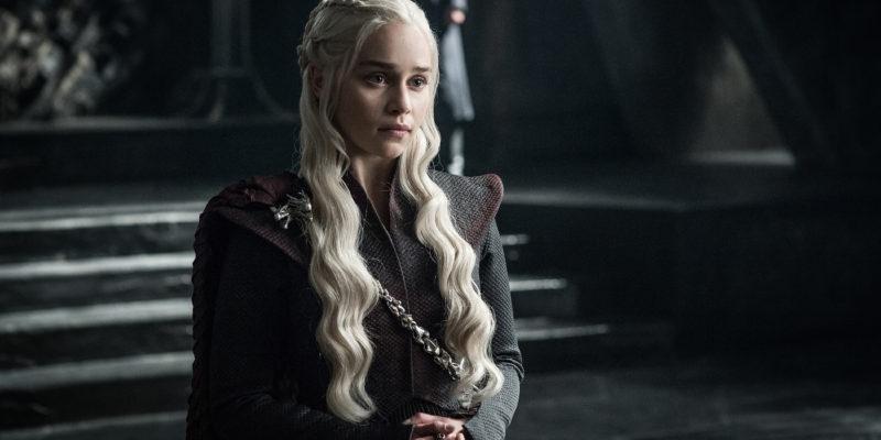 Il trono di spade 7: Emilia Clarke in una scena
