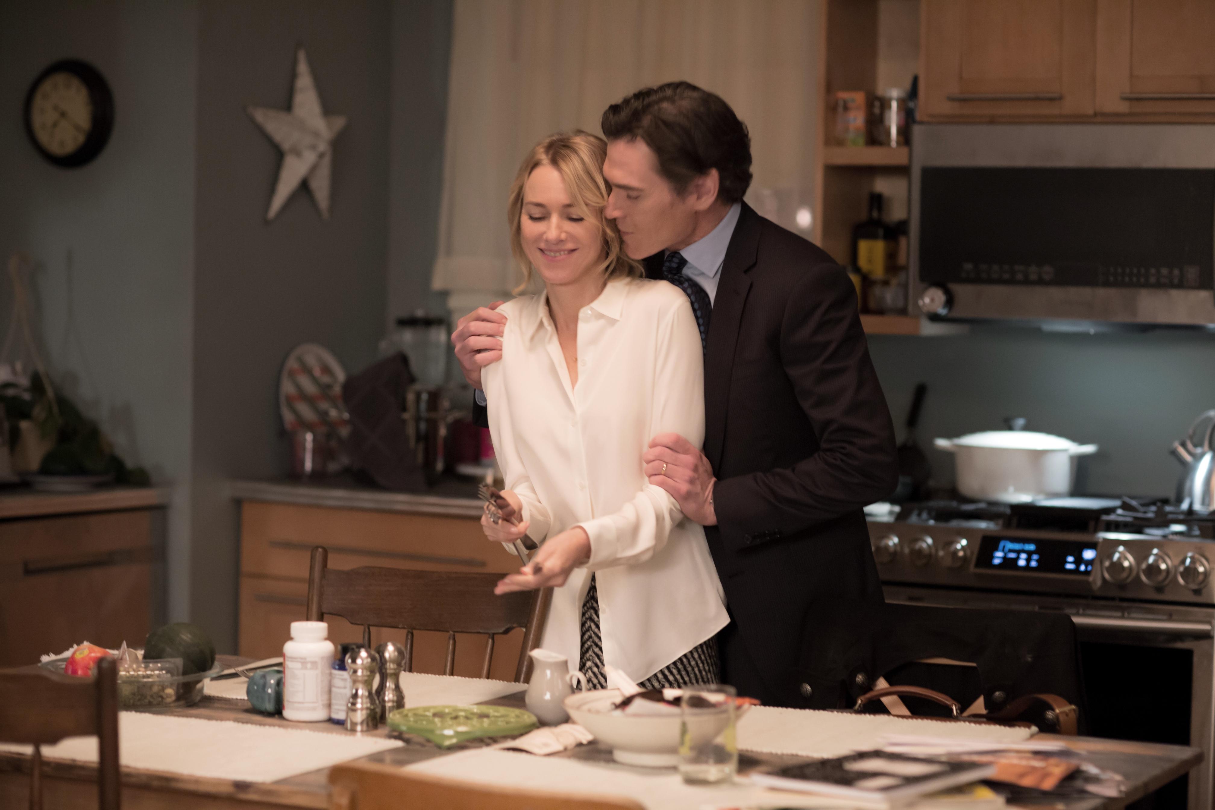 Gypsy: Billy Crudup e Naomi Watts in un'immagine della prima stagione