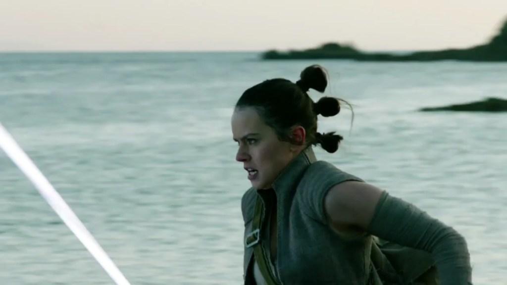 Star Wars: Gli ultimi Jedi - Daisy Ridley in una foto del film