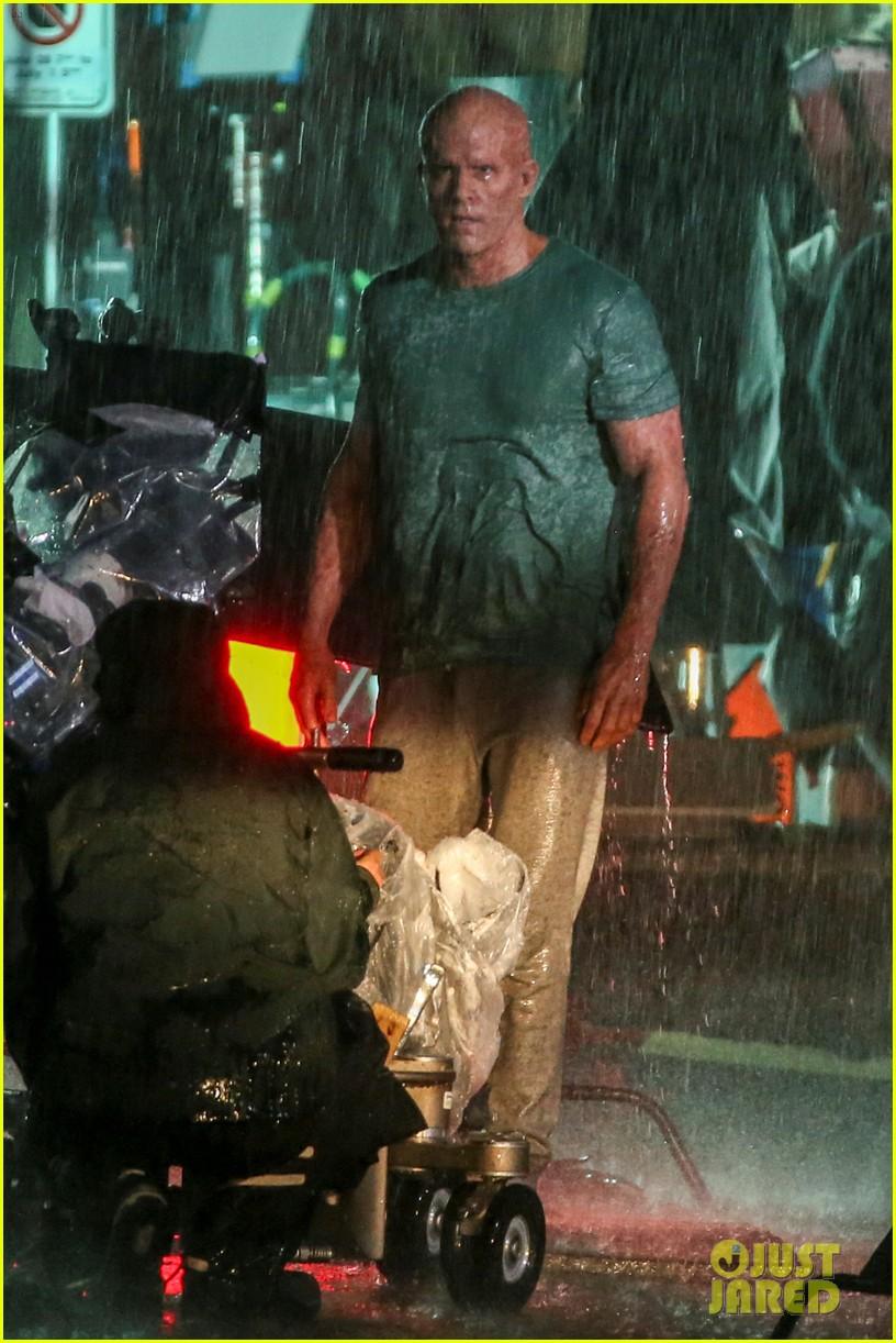 Deadpool 2: Ryan Reynolds in un'immagine scattata sul set
