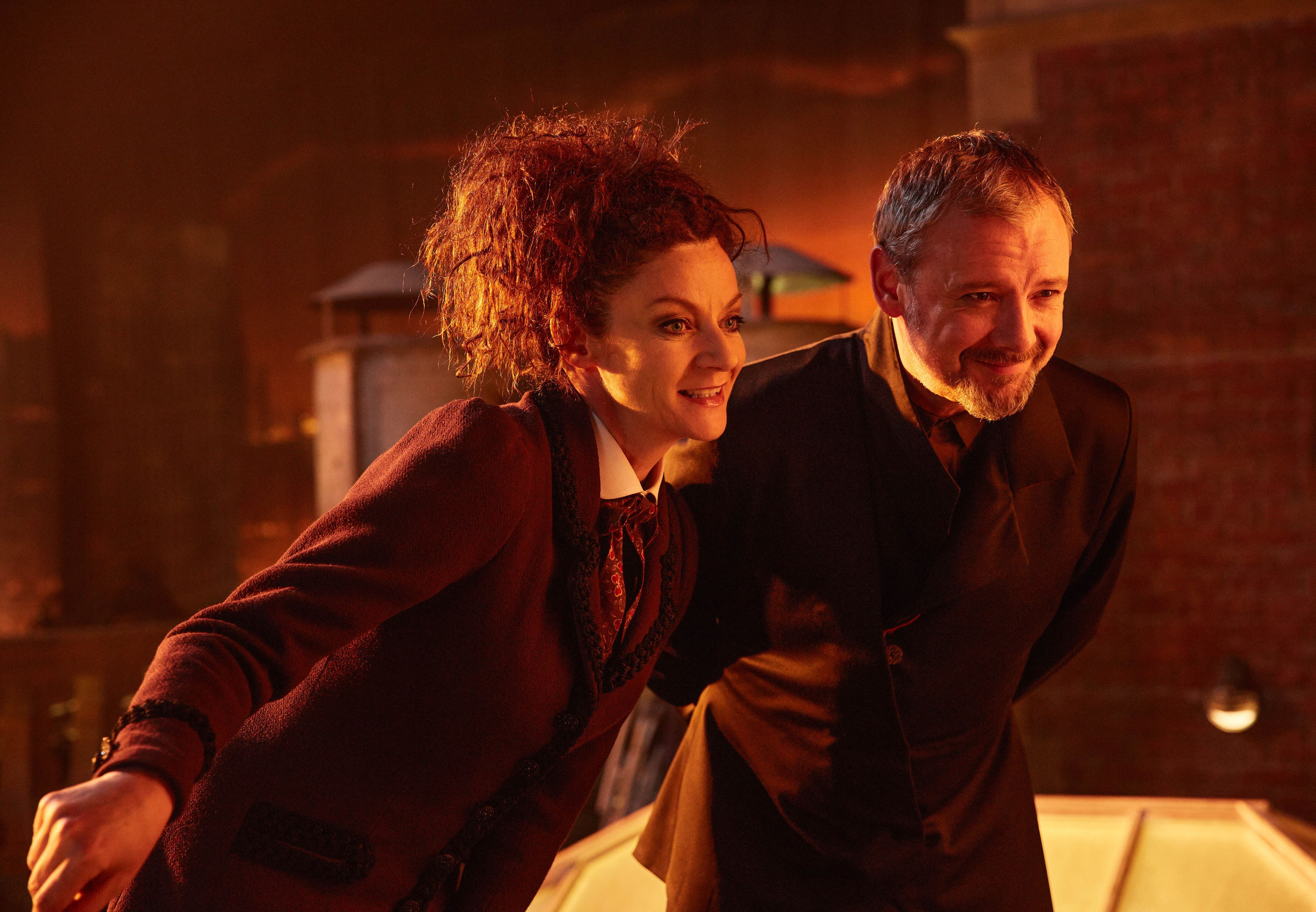 Doctor Who: Michelle Gomez e John Simm nell'episodio The Doctor Falls