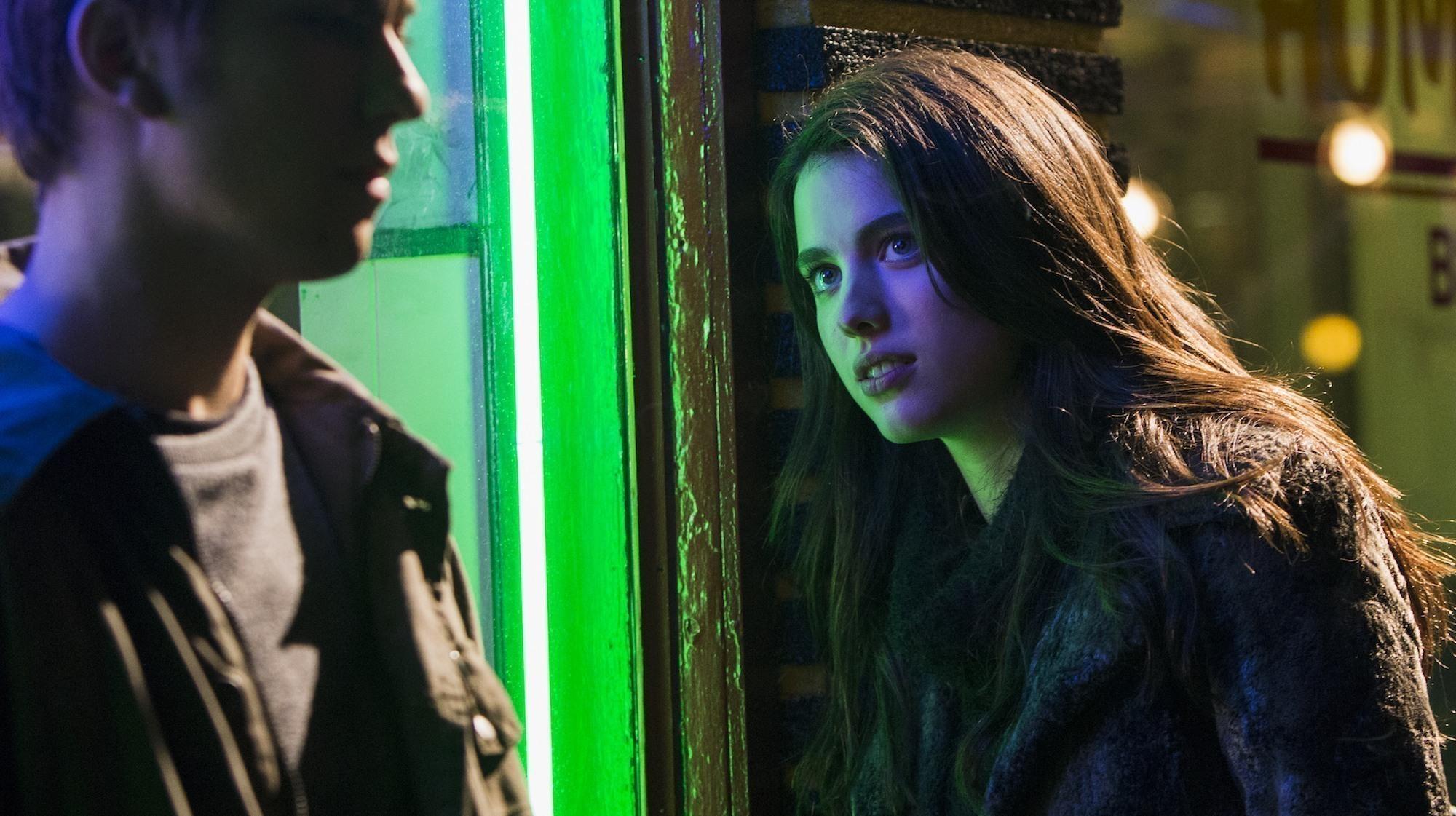 Death Note: Margaret Qualley in una foto del film