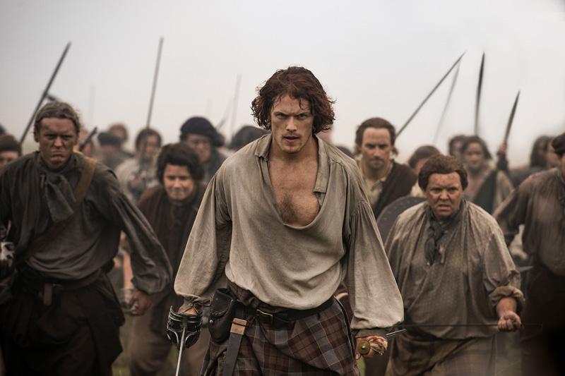 Outlander: Sam Hueghan in una foto della terza stagione
