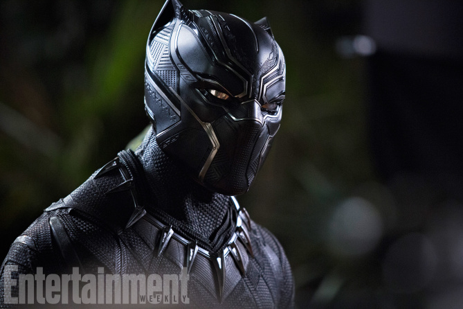 Black Panther: Chadwick Boseman in una foto del film