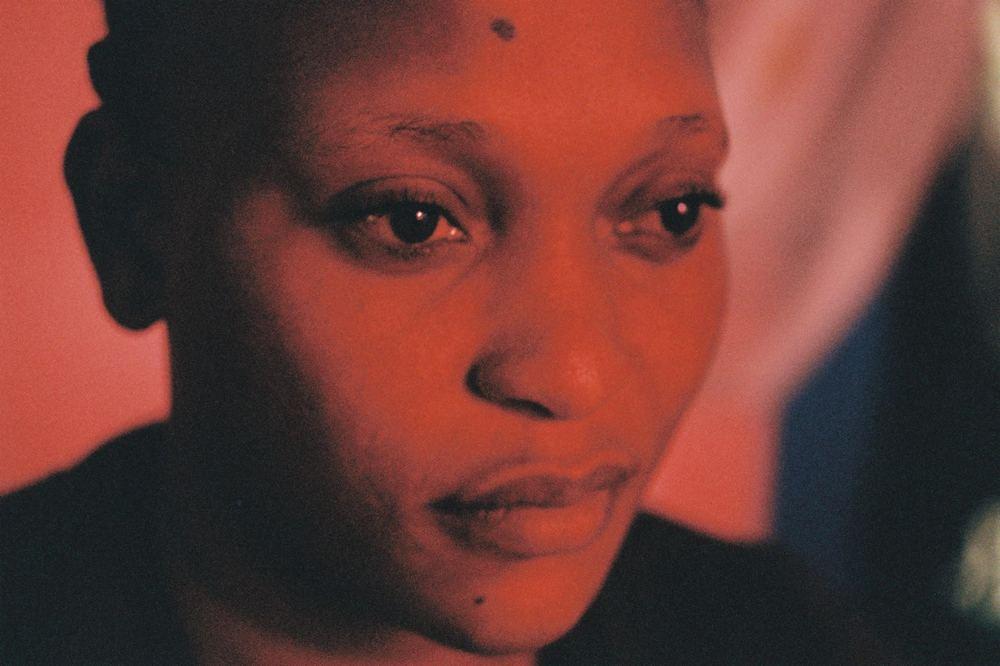 Félicité: un primo piano di Véro Tshanda Beya Mputu