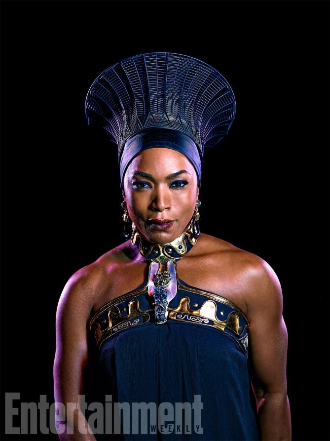 Black Panther: Angela Bassett è Ramonda