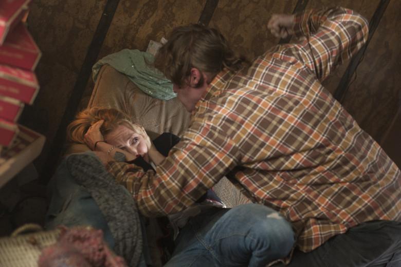 I segreti di Twin Peaks: Amanda Seyfried e Caleb Landry Jones in una scena