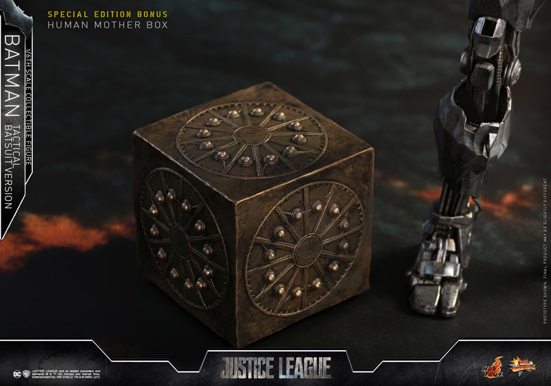 Justice League: l'action figure della Hot Toys che ritrae Batman