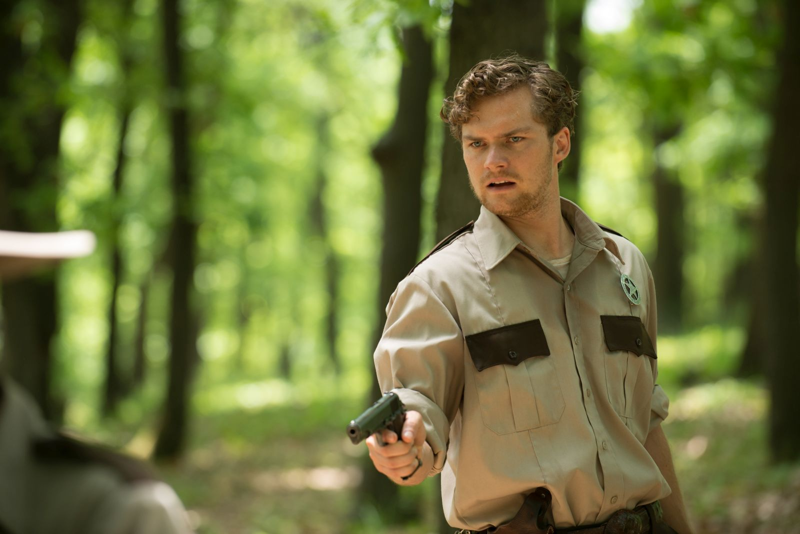 [Foto esclusiva] Leatherface: Finn Jones in una scena del film
