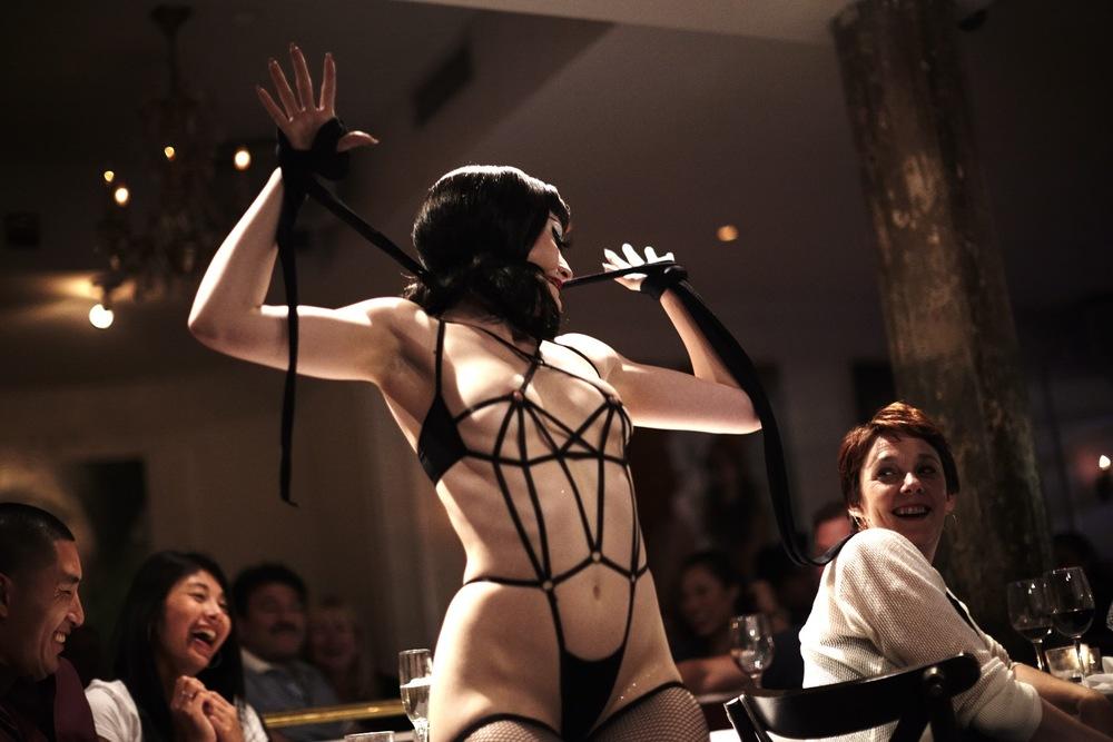 Getting Naked: A Burlesque Story: una scena del film