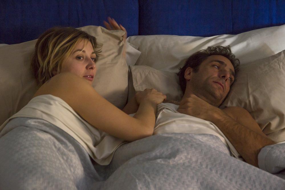 Il colore nascosto delle cose: Anna Ferzetti e Adriano Giannini in una scena del film