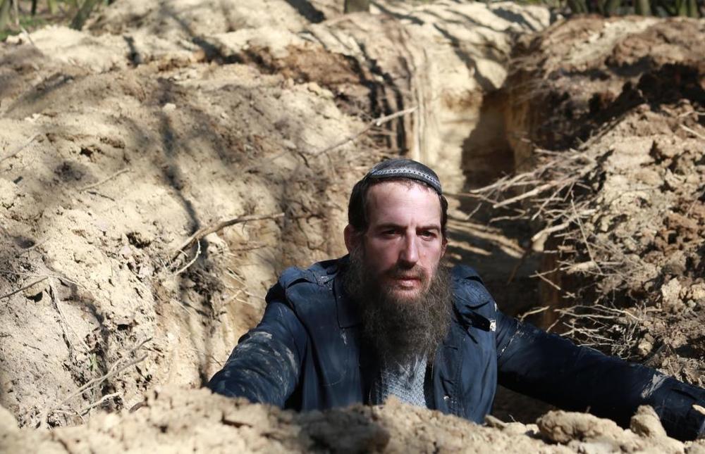 The Testament: Ori Pfeffer in una scena del film