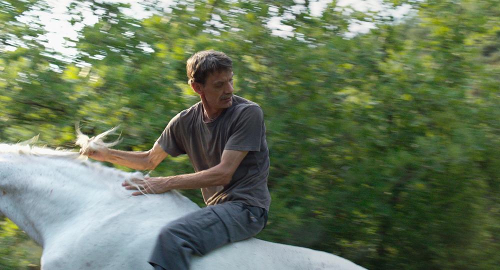 Western: Meinhard Neumann in una scena del film