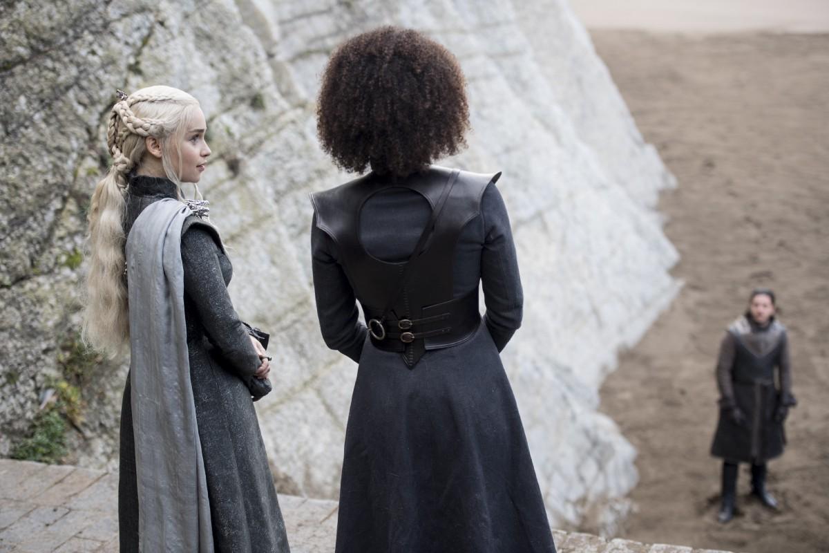 Il Trono di Spade: una foto di Missandei e Daenerys dall'episodio The Spoils of War