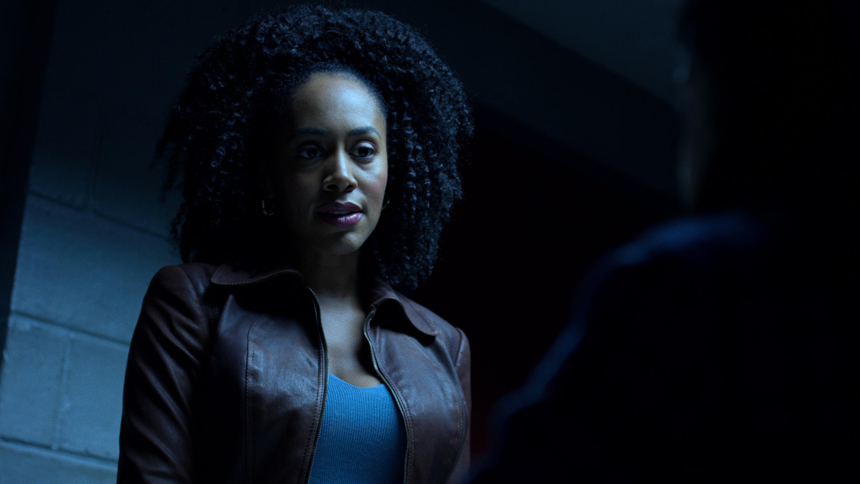 The Defenders: una scena con Simone Missick