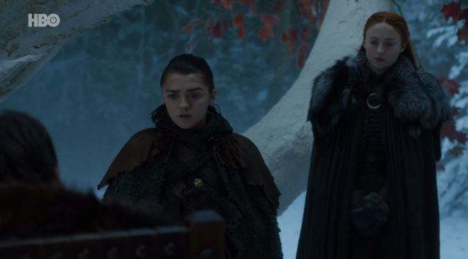 Il trono di spade: Sansa, Arya e Bran in una scena di The Spoils of War