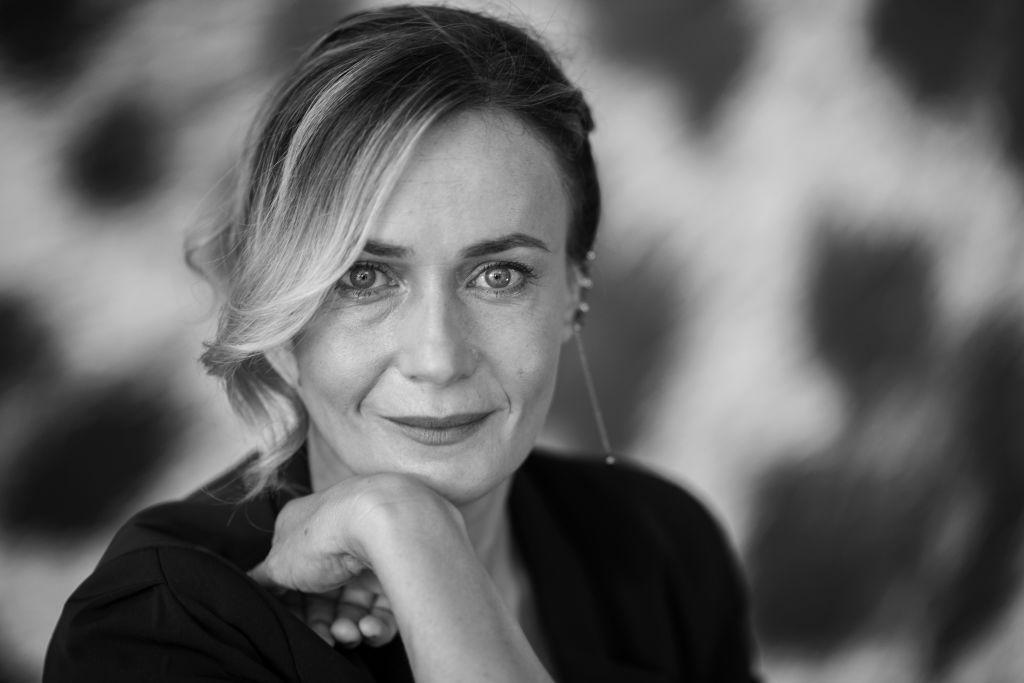 Amori che non sanno stare al mondo: un primo piano di Lucia Mascino a Locarno