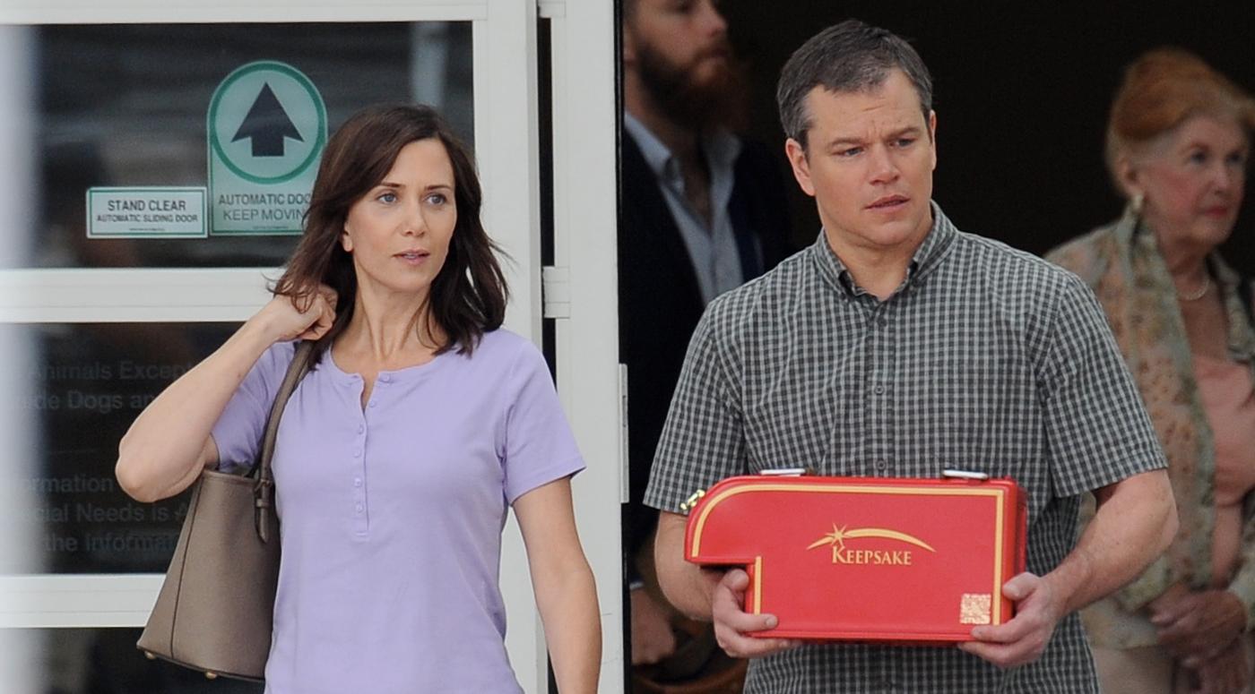 Downsizing: Matt Damon e Kristen Wiig in un momento del film