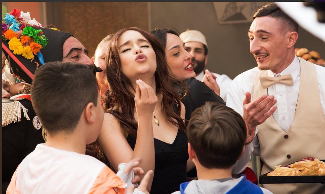 Emilia Clarke in una foto promozionale