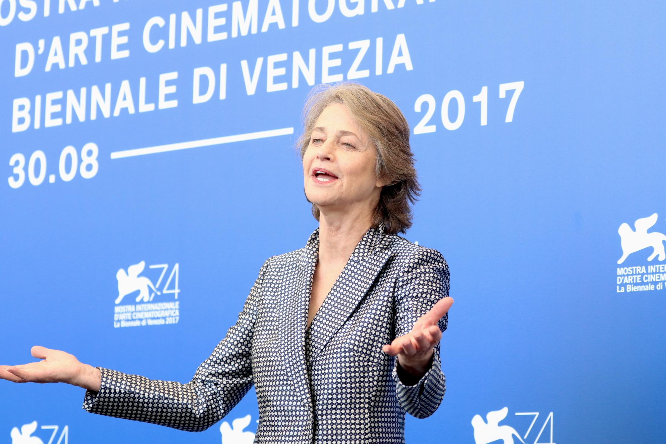 Venezia 2017: Charlotte Rampling al photocall di Hannah