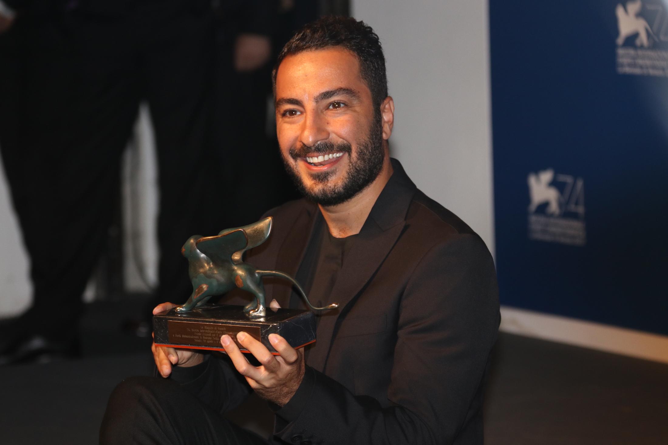 Venezia 2017: Xavier Legrand con il suo premio al photocall dei premiati