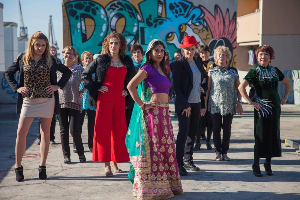 Babylon Sisters: Yasemin Sannino, Lucia Mascino e Nav Ghotra in un'immagine promozionale del film