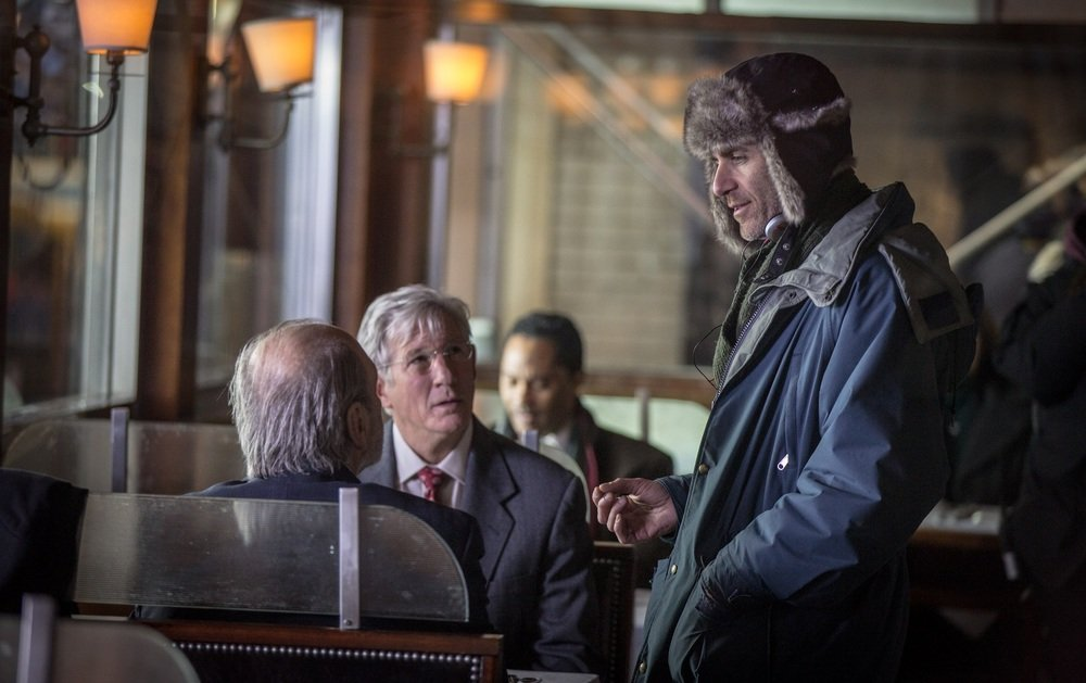 L'incredibile vita di Norman: il regista Joseph Cedar e Richard Gere sul set del film