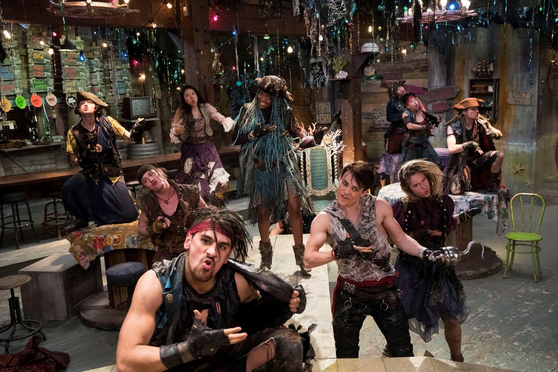 Descendants 2: una scena di gruppo del film