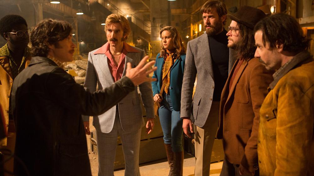 Free Fire: Cillian Murphy, Brie Larson e il resto del cast in una scena
