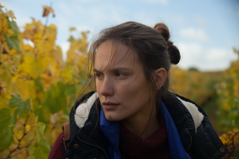 Ritorno in Borgogna: Ana Girardot in una scena del film