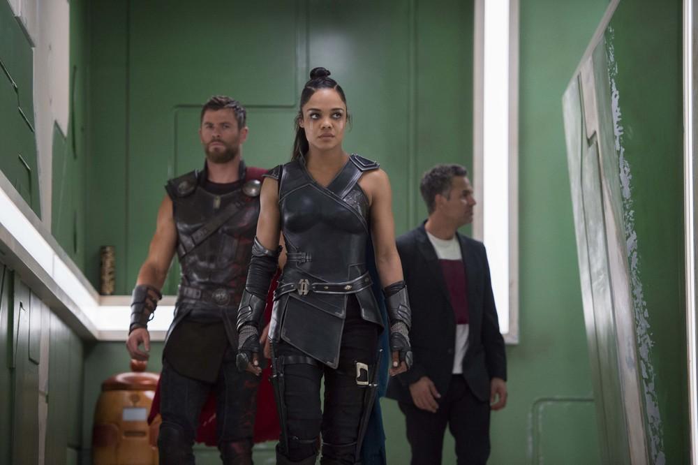 Thor: Ragnarok - Una foto di Tessa Thompson, Chris Hemsworth e Mark Ruffalo