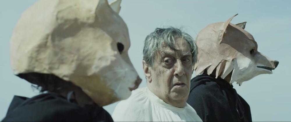 Il vangelo secondo Mattei: Flavio Bucci in una scena del film