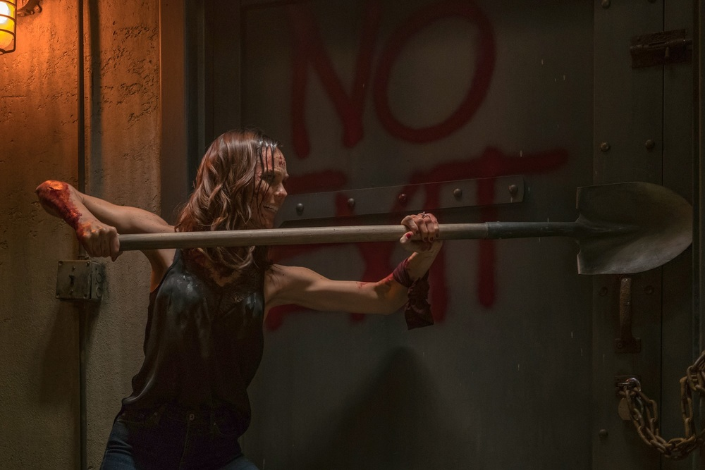 Saw: Legacy, Laura Vandervoort in una scena del film