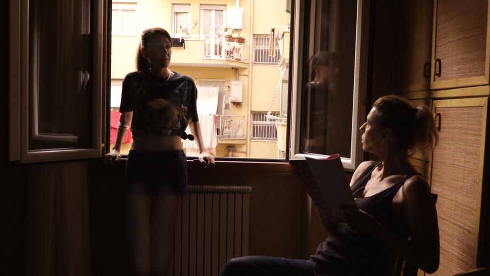 L'esodo: Carlotta Bazzu e Daniela Poggi in una scena del film