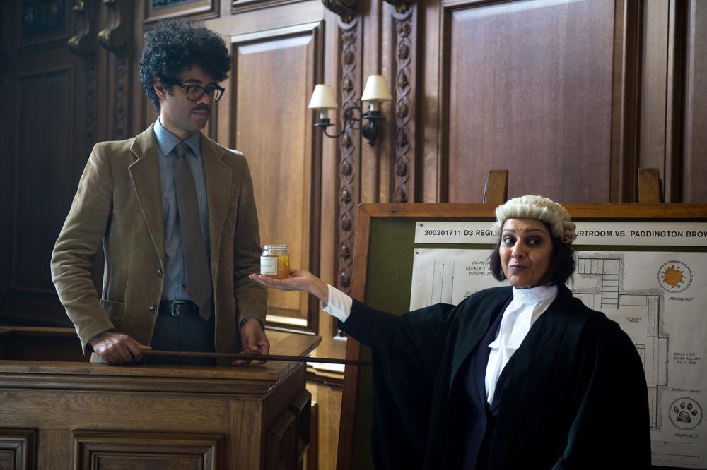 Paddington 2: Noah Taylor in una scena del film