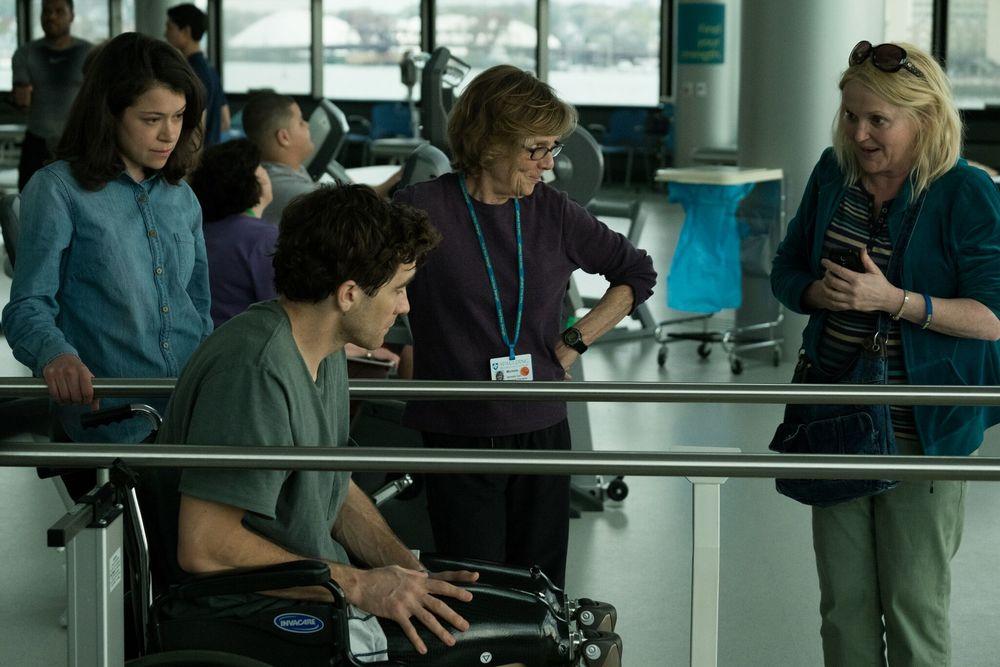 Stronger: Tatiana Maslany, Jake Gyllenhaal e Miranda Richardson in una scena del film