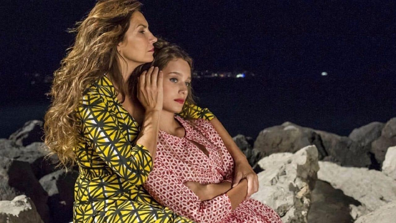 Sirene: Maria Pia Calzone in una scena della serie