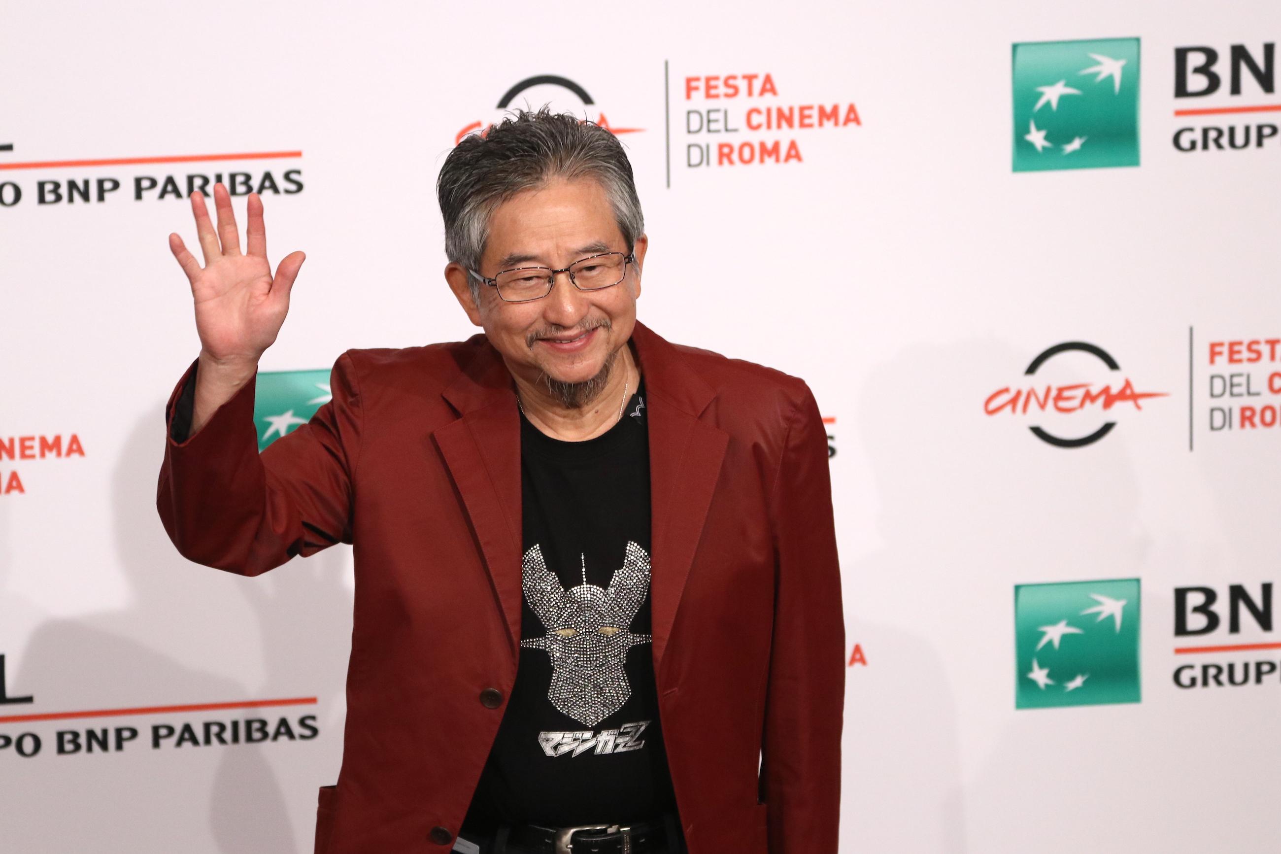 Roma 2017: Go Nagai saluta i fotografi al photocall di Mazinger Z Infinity