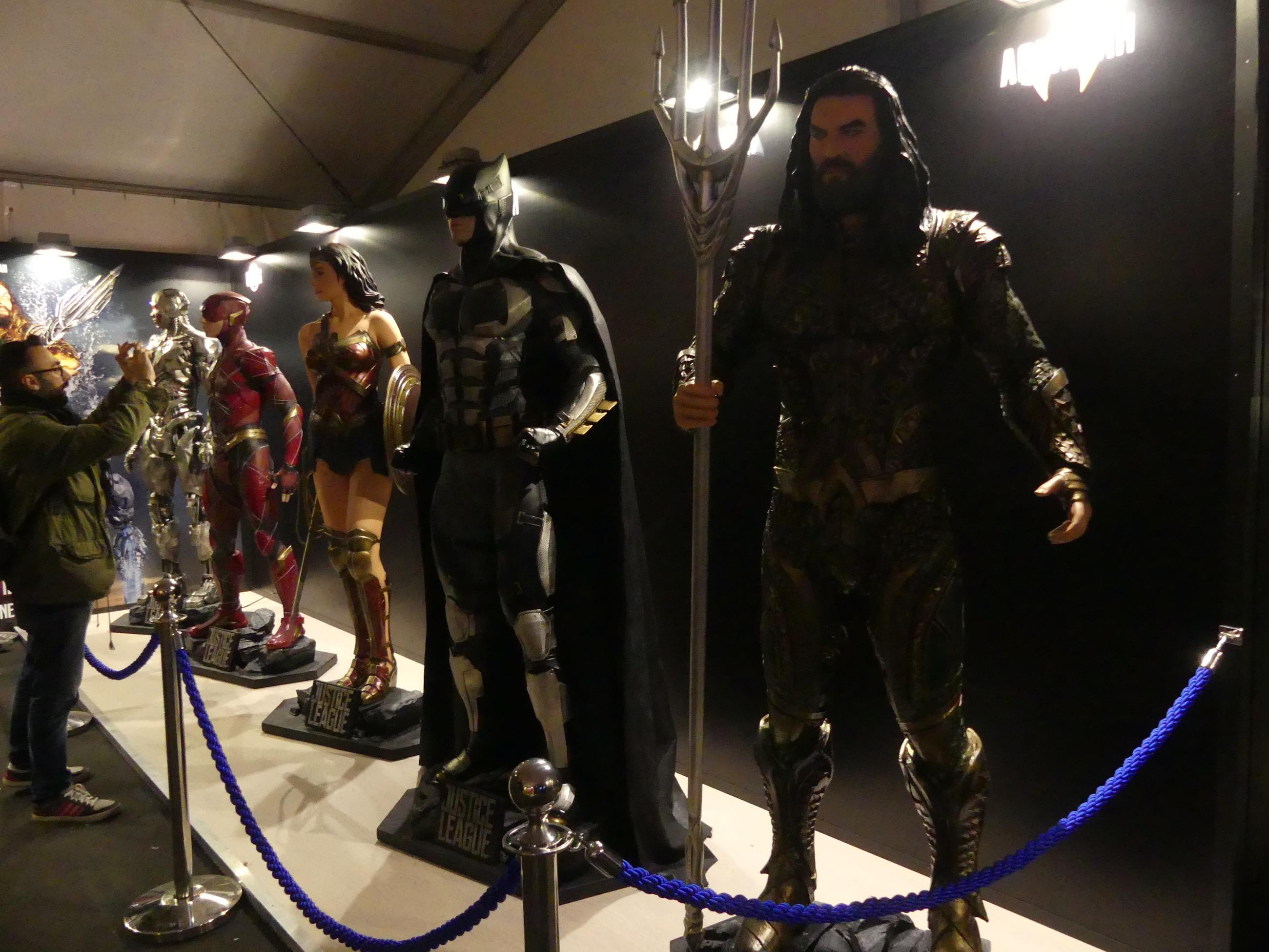 Lucca 2017: la Justice League al completo allo stand Warner