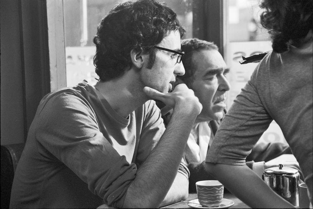 La mano invisibile: il regista David Macián sul set del film