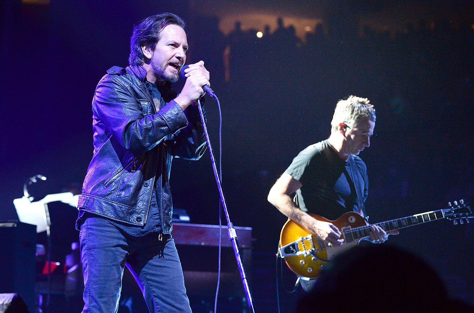 Pearl Jam: Let's Play Two, Eddie Vedder in un momento del documentario