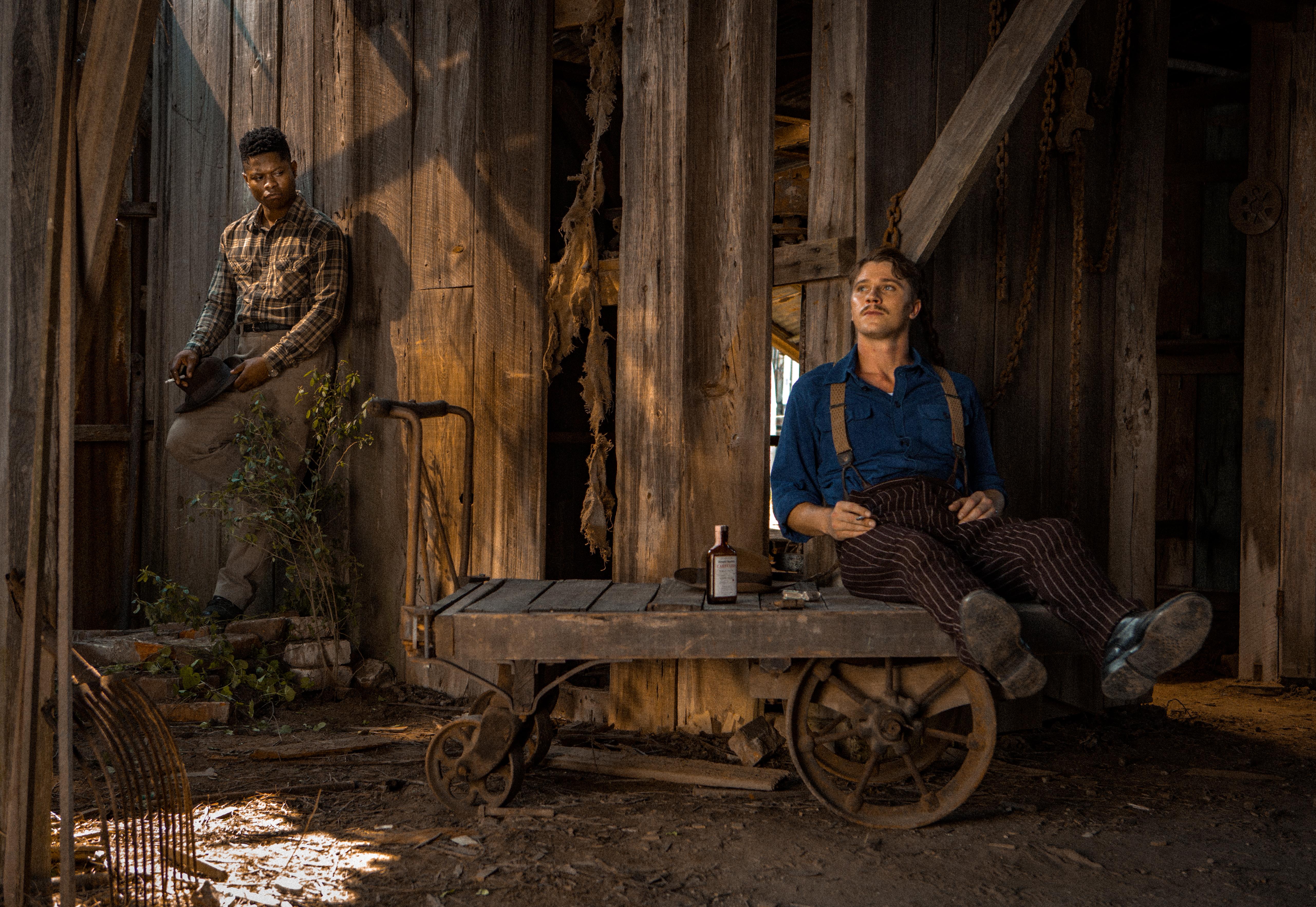 Mudbound: Jason Mitchell insieme a Garret Hedlund